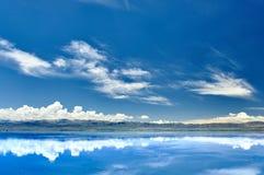 Le miroir du ciel Photo stock