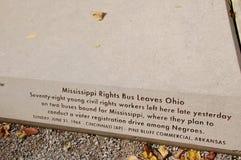 Le Mississippi redresse des feuilles Ohio d'autobus images stock