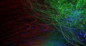 Le modèle de jouer avec des fibres optiques s'allument sur le fond noir Photographie stock libre de droits