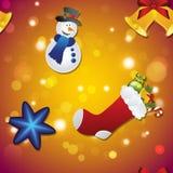 Le modèle de nouvelle année avec le bonhomme de neige, la chaussette pour des cadeaux, la cloche et l'arbre de Noël jouent Photographie stock libre de droits