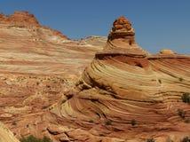 Le modèle de vague dans les falaises de roche et les flèches des buttes de coyotes, aka de la vague Image stock