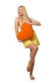 Le modèle juste caucasien dans la robe jaune d'été d'isolement sur le blanc Photographie stock libre de droits