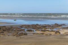 Le mod, le sable et les vagues dans Cassino échouent Image libre de droits
