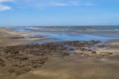 Le mod, le sable et les vagues dans Cassino échouent Photographie stock libre de droits