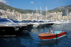 Le Monaco, Monte Carlo, 29 05 2008 : Port Hercule Images stock
