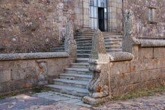 Le monastère en haut affrontent image stock