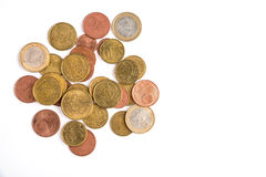 Le monete dell'euro centesimo, insieme delle monete euro centesimo, teste e code, su bianco hanno isolato il fondo Soldi di Union Immagine Stock