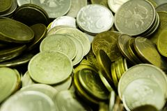 Le monete sovietiche hanno spruzzato nel complesso la struttura della foto La rublo dell'URSS Vecchie monete per numismatica immagini stock