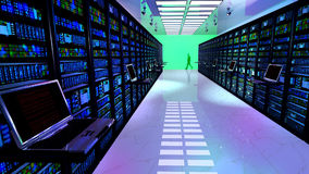 Le moniteur terminal dans la chambre de serveur avec le serveur étire dans le datacenter Images libres de droits