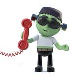 le monstre mignon de frankenstein de 3d Halloween répond au téléphone Images stock