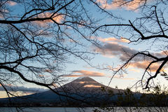 Le mont Fuji au lac Kawaguchi, Japon Photographie stock
