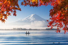 Le mont Fuji en automne Photos stock