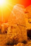 Le mont Nemrut la tête devant les statues Images libres de droits