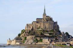 Le Mont Saint Michel i Normandie, Frankrike Royaltyfria Bilder