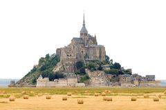 Le Mont Saint-Michel isolato su bianco Immagine Stock