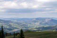 Le montagne Immagini Stock