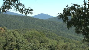 Le montagne appalachiane zumano fuori video d archivio