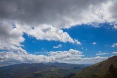 Le montagne del Apennines centrale Fotografia Stock