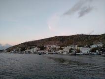 Le montagne del mare del cielo del tramonto del sole della passamontagna di Criaem si appanna bellezza di viaggio della ricreazio Immagine Stock Libera da Diritti