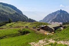 Le montagne dell'estate abbelliscono scenico rurale nelle montagne di Rofan Alpi, Austria, Tirolo Immagini Stock Libere da Diritti