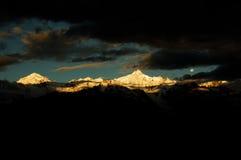 Le montagne della neve fotografia stock