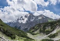 Le montagne delle alpi in Baviera, Germania Immagine Stock Libera da Diritti