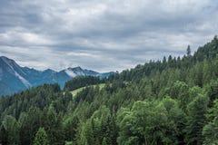 Le montagne delle alpi in Baviera, Germania Immagine Stock