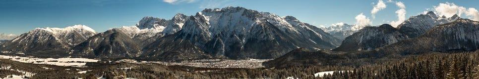 Le montagne di Karwendel nelle alpi bavaresi Fotografie Stock Libere da Diritti
