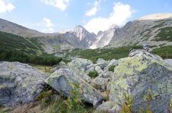 Le montagne di Tatra con le rocce si chiudono dentro Fotografia Stock