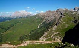 Le montagne meravigliose della dolomia abbelliscono e grande vista alla montagna famosa di sassolungo Immagine Stock Libera da Diritti