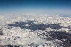 Le montagne ricoperte neve Fotografie Stock Libere da Diritti