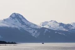 Le montagne si avvicinano a Juneau Alaska Fotografie Stock Libere da Diritti