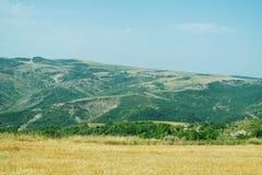 Le montagne sul modo a Ismayilli Fotografia Stock Libera da Diritti