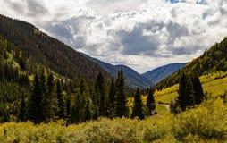 Le montagne variopinte di Colorado in autunno Fotografia Stock Libera da Diritti
