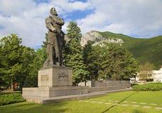 Le monument du héro national bulgare Hristo Botev dans Vratza Image libre de droits
