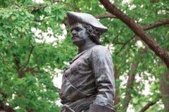 Le monument en bronze à Peter I le grand en parc inférieur de Peterhof Peterhof, St Petersburg, Russie Images stock
