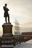 Le monument est à amiral Ivan Krusenstern (Schroder, 1873) Photo stock