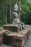 Le monument, gardent tristement image libre de droits