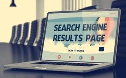 Le moteur de recherche résulte page - sur l'écran d'ordinateur portable closeup 3d Photo libre de droits