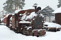 Le moteur rouillé pendant l'hiver Photos stock