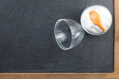 Le moule de la pâte de jeu en plastique ovale de forme contenant le repre d'unité Photographie stock