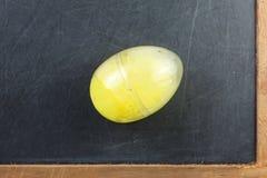 Le moule de la pâte de jeu en plastique ovale de forme contenant le repre d'unité Photo stock