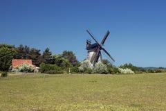 Le moulin à vent néerlandais dans le benz image stock