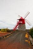 Le moulin à vent sur les rivages Photos stock