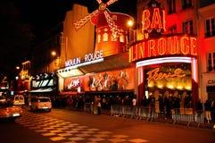 Le Moulin rouge à Paris dans les Frances Photographie stock libre de droits