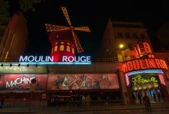 Le Moulin rouge est un cabaret et un thater célèbres à Paris, France image libre de droits