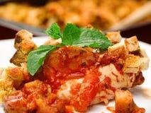 Le mozarella italien de poulet font cuire au four Photographie stock