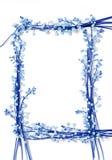 Le muguet fleurit sur le backgr d'isolement par cadre de papier de trame Photographie stock