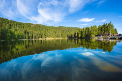 Le Mummelsee, forêt de _Black, Bade-Wurtemberg, Allemagne photographie stock
