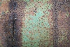 Le mur en acier rouillé est causé l'eau de petit morceau et air et l'espace vide pour le texte photos stock
